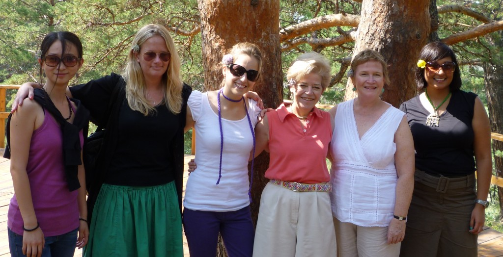 Shen, Annie, Deb, Cary, Anne and Melissa in the forest area